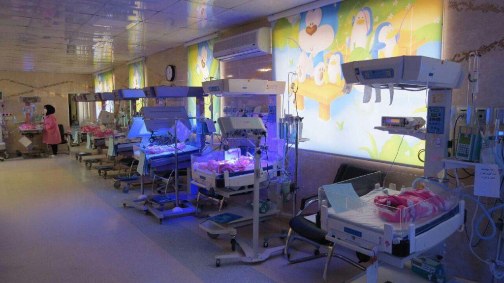 رقابتی باورنکردنی برای تاریخ تولد لاکچری ۹۸/۱/۱/ وقتی سلامت نوزاد قربانی عنوان «نخستین تولد سال ۹۸» میشود