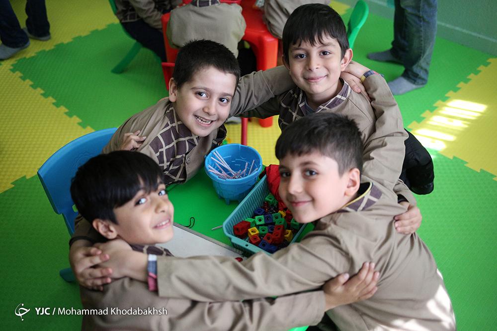 ناکارآمدی واگذاری دوره دبستان به سرباز معلم و نیروی جوان حقالتدریسی/ آموزش و پرورش ابتدایی را دریابید!