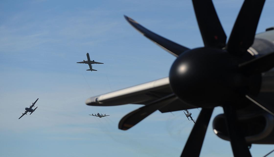 لحظه برخورد دو جنگنده نظامی هند در آسمان! + فیلم//