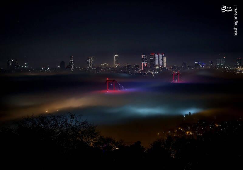 تصویری از مه غلیظ در استانبول + تصویر