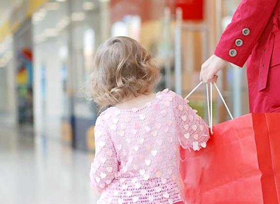 با بهانهگیری کودکان در هنگام خرید چگونه برخورد کنیم؟