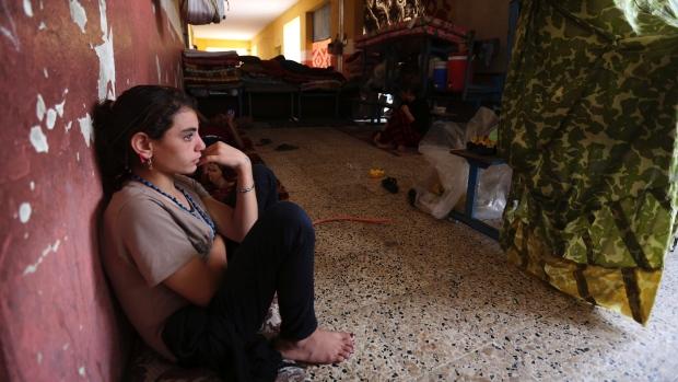 روایت دردناک از دختر ۱۰ ساله ایزدی / از تجاوزهای دسته جمعی تا خوردن چوب و فضولات حیوانی! + تصاویر