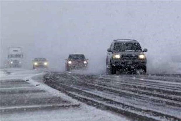 بارش برف و کولاک در تهران و البرز/ آبگرفتگی معابر در 4 استان کشور