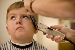 کچل کردن مشتری، آرایشگر را روانه زندان کرد! +تصاویر