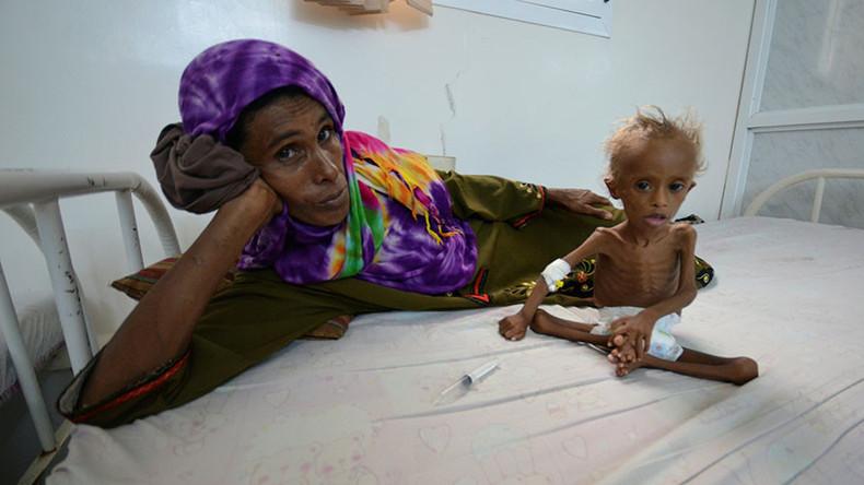 فداکاری مادران یمنی برای نجات جان فرزندانشان+عکس