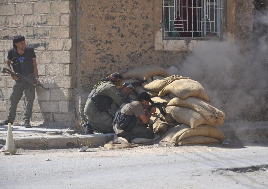 درگیری شدید داعش و سایر تروریستها در حومه درعا