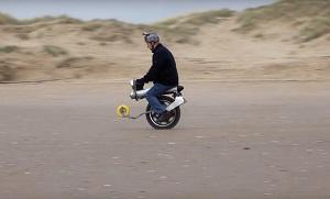 قویترین موتورسیکلت برقی تک چرخ + فیلم