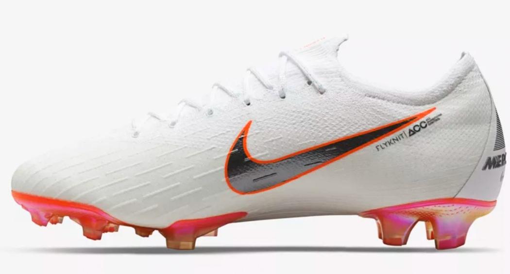 کفش های مخصوص جام جهانی رو نمایی شد+ تصاویر