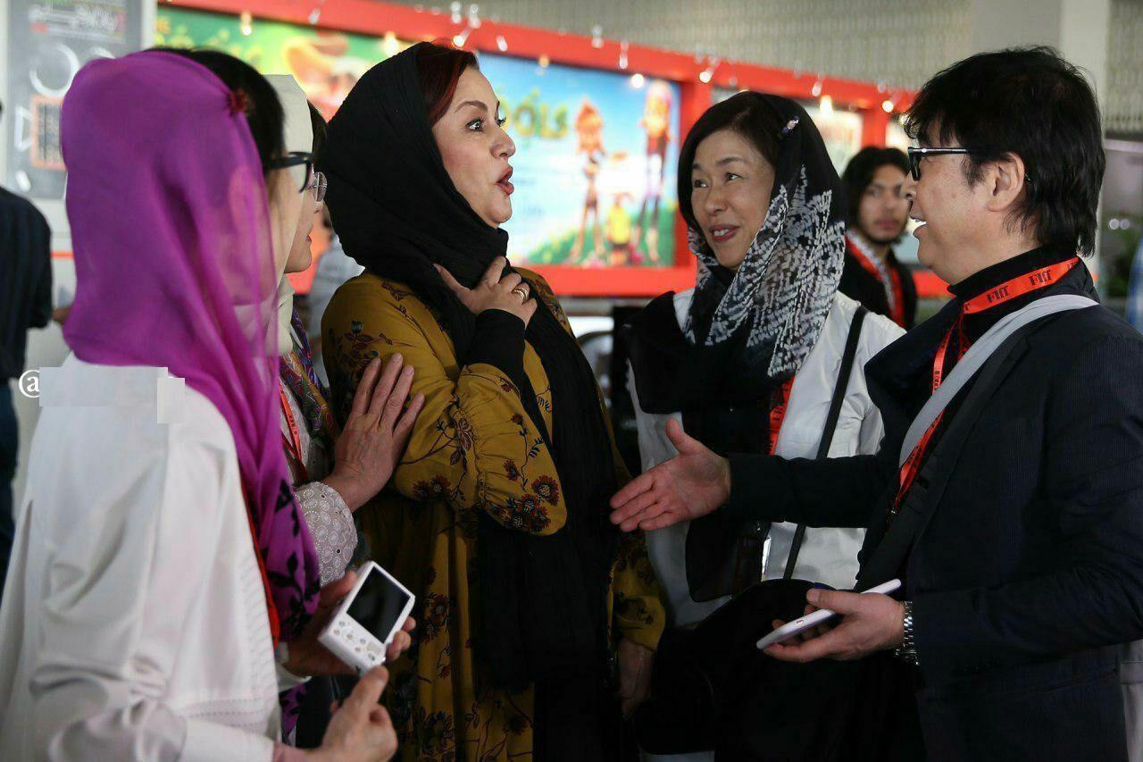واکنش مریلا زارعی به مهمان خارجی که می خواست با او دست بدهد! +عکس