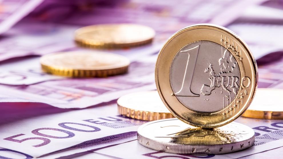 کاهش قیمت ۱۵ ارز/ افزایش قیمت یورو و پوند