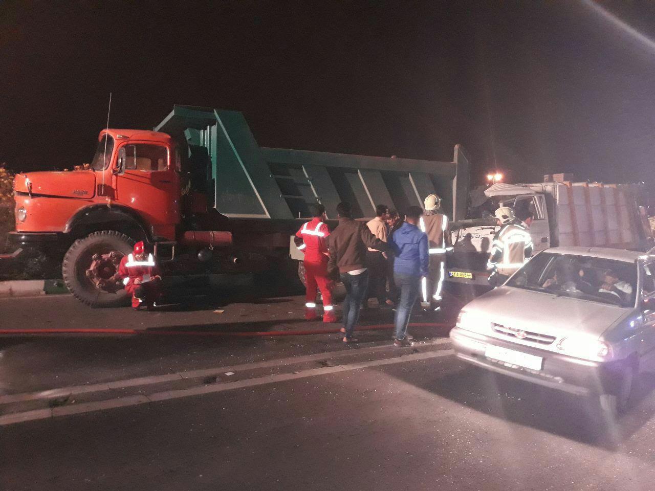 فوت یک تن در حادثه برخورد یک دستگاه کامیونت هیوندا با کامیون