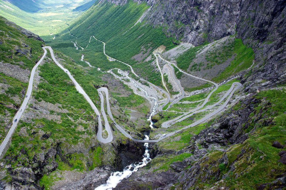۱۰ جاده عجیب که از تماشای آنها حیرت زده خواهید شد
