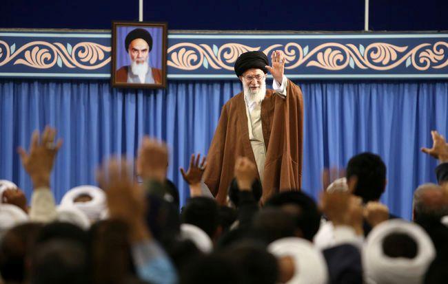 ایران برخلاف غربیها، آمادگی انتقال پیشرفتهای علمی خود را به دیگر کشورهای اسلامی دارد/مهمترین نیاز امروز دنیای اسلام، وحدت و پیشرفت علمی است,