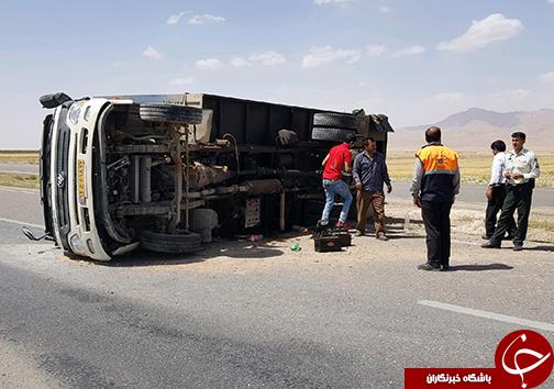 تصادف در بزرگ راه شیراز فسا حدفاصل روستای سیف آباد سروستان