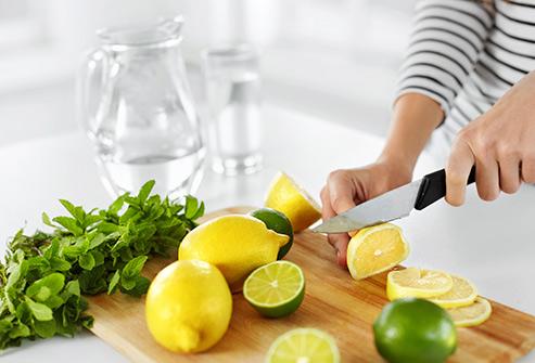 ۱۴ راه استفاده از لیمو برای سلامتی