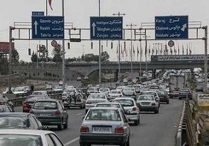 ترافیک در آزادراه تهران-کرج و کرج-قزوین/ بارش باران در محورهای ۳ استان