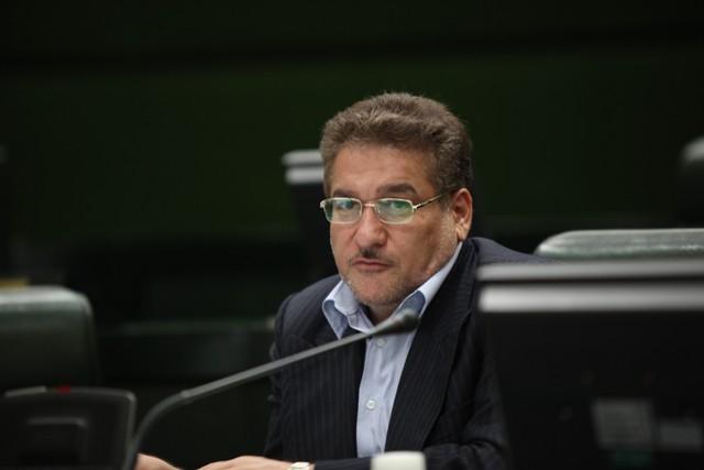 موافقت لاریجانی با برگزاری مراسم رونمایی از پیراهن تیمهای ملی در مجلس