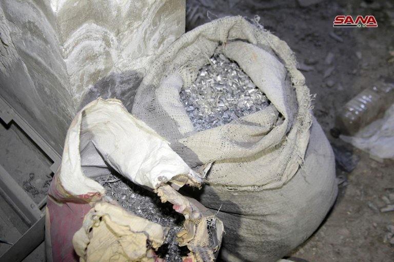 کشف مواد شیمیایی در مقرهای دورافتاده داعش در سوریه+ تصاویر