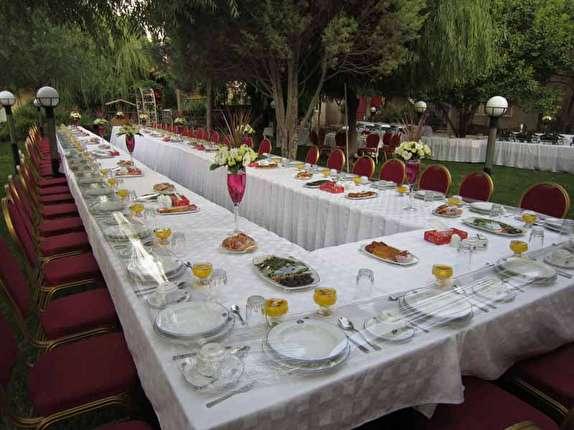افطاریهای لاکچری از جیب بیتالمال /افطاریهای لاکچری در هتلهای تهران چقدر آب میخورد؟