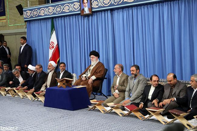 محفل انس با قرآن با حضور رهبر انقلاب آغاز شد