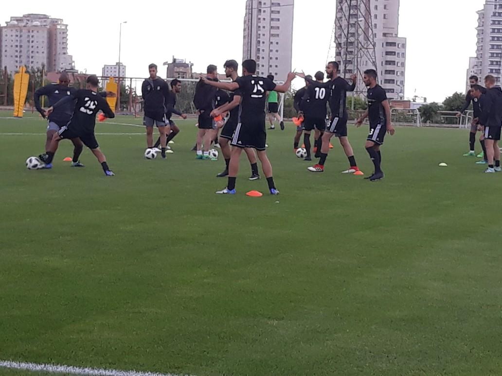 گزارش تمرین تیم ملی فوتبال در زمین چمن پژوهشگاه صنعت نفت