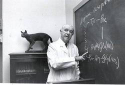 دانشمندی که موفق به جداسازی و شناسایی هورمون