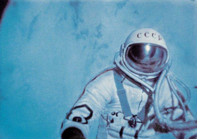 گفتوگو خواندنی با اولین فضانوردی که در فضا راهپیمایی کرد