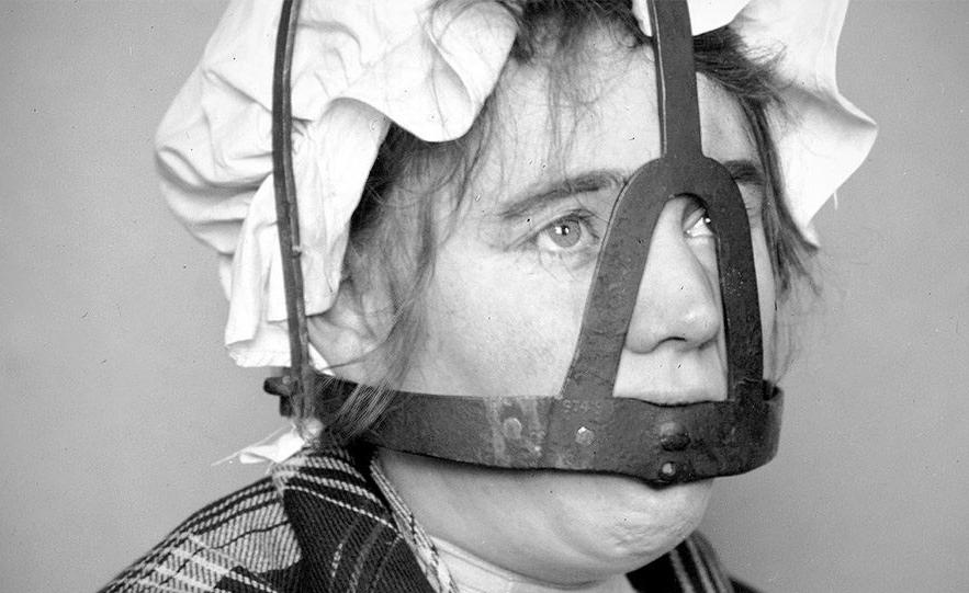 مجازات هولناک زنان پر حرف در قرون وسطا