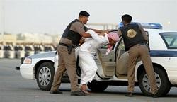 نقض حقوق بشر در عربستان/ شکنجه و هتک حرمت زندانیان در عربستان ادامه دارد+ تصاویر