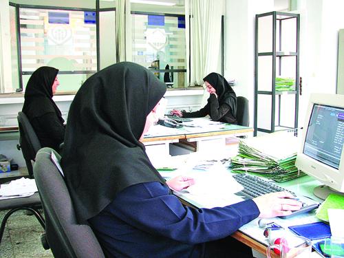 آموزش و پرورش بیشترین کارمندان را دارد/ کارمندان ایرانی٩٠ درصد بودجه جاری کشور را میبلعند