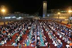 باشگاه خبرنگاران - مراسم سفره افطاری در میدان امام حسین(ع)