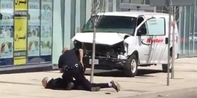 هویت عامل حمله مرگبار در مقابل صرافی تهران در تورنتو مشخص شد+ عکس
