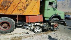 لحظه تصادف مرگبار پیکان با کامیون + فیلم