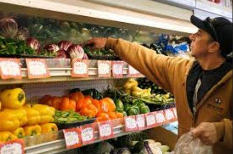 //////////////////راهکارهایی برای جلوگیری از ولخرجی در هایپر مالها و خرید خوراکیهای سالم///////پول و وسوسه خرید خوراکیها را چگونه در فروشگاهای بزرگ کنترل کنید