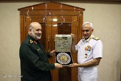 دیدار فرمانده نیروی دریایی هند با جانشین وزیر دفاع ایران
