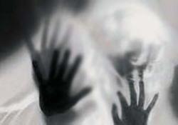 شکنجه دختر جوان توسط مرد شیطانصفت به صورت لایو +فیلم