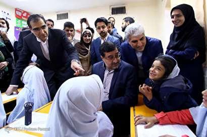 باشگاه خبرنگاران -بازدید وزیر بهداشت از مرکز آموزشی پرتو ویژه کودکان کار