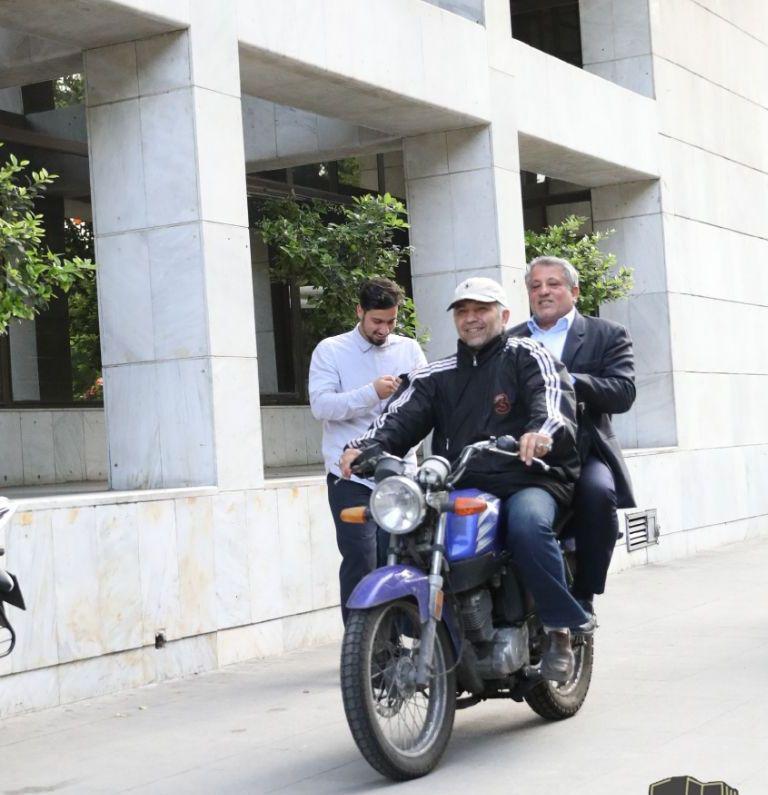 موتورسواری هاشمی رفسنجانی برای فرار از ترافیک +عکس