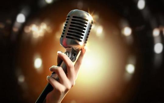 حکم خوانندگی زن / آیا گوش دادن به صدای موسیقی زن حرام است