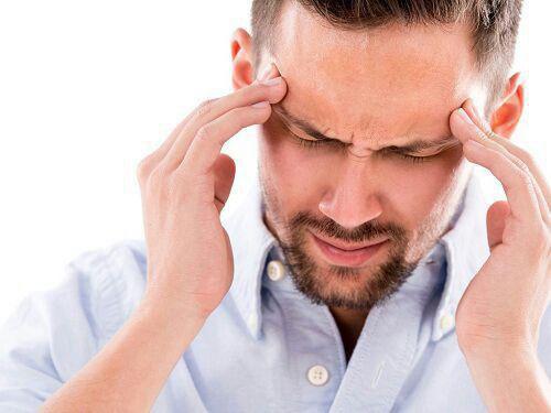 ۸ علامت هشدار دهنده سردرد را بشناسید