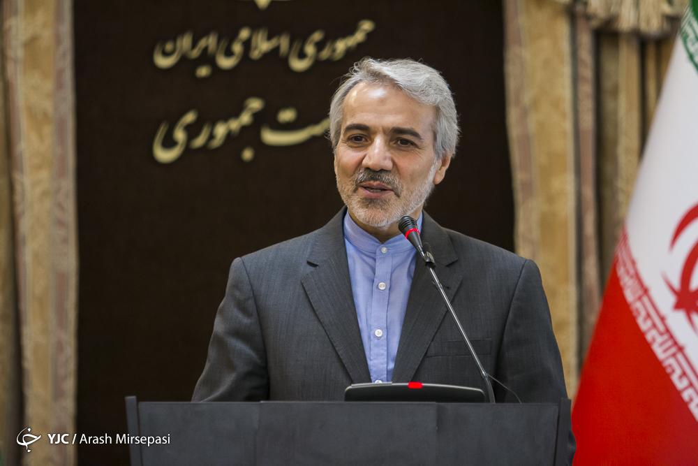 آمریکا شایستگی نشستن پای میز مذاکره با نمایندگان ملت ایران را ندارد/کاهش ساعات کار ادارات در ماه رمضان در اختیار دولت نیست/مدیران دولتی دو تابعیتی نیستند,