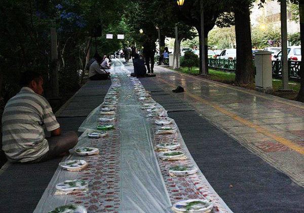برپایی سفره افطاری ساده خیابانی در ۳۳ نقطه شهر تهران برپا میشود