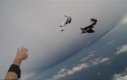 چتربازها در آسمان جانشان را از دست دادند +فیلم