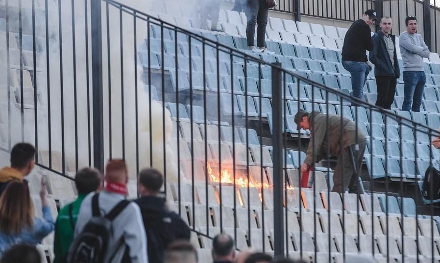 به آتش کشیده شدن ورزشگاه در بازی خداحافظی دروازه بان روبین کازان + عکس