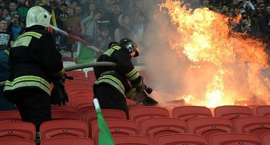 آتش کشیده شدن ورزشگاه در بازی خداحافظی دروازه بان روبین کازان + تصاویر