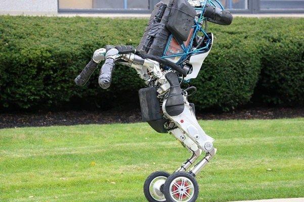 رباتی که قادر است با نگاه کردن به انسان هر کاری را بیاموزد