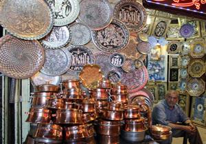 واردات هنر دست ایرانیان از خارج! / هنوز ۳۷۰ نوع صنایع دستی کشور روی طاقچه صنعت خاک میخورد