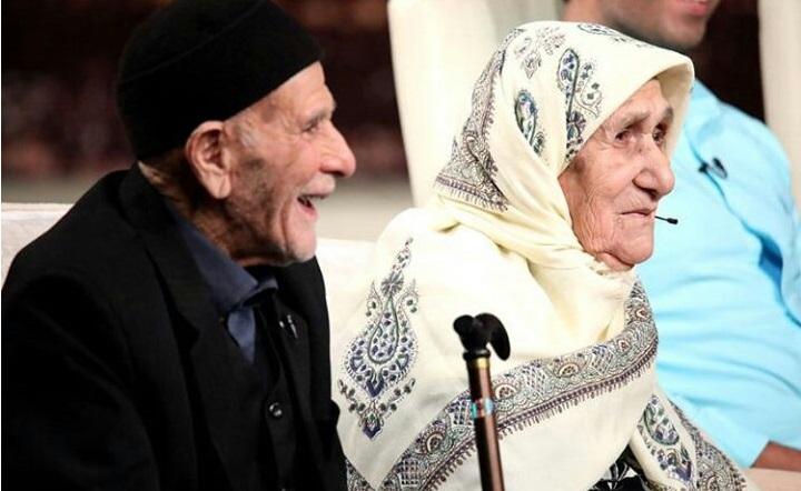 پیشنهاد جالب احسان علیخانی به رامبد جوان/ ماه عسل ۸۰ سالگی یک زندگی مشترک را جشن گرفت + فیلم