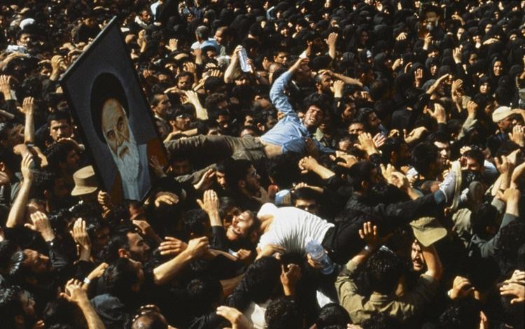 حال و هوای تهران در ۱۴ خرداد ۱۳۶۸ از زبان رسانههای خارجی
