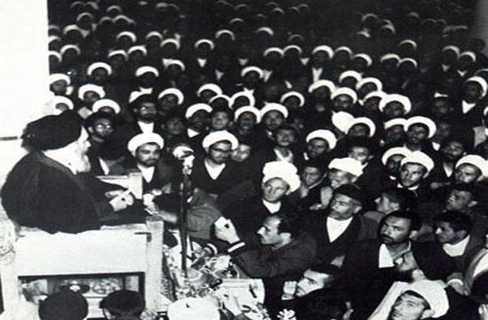 چرا برخی شخصیت ها نسبت به عدم وابستگی به غرب عدول کردند/ ت های خودباوری در ت خارجی؛ اصلی برای پیشرفت ایران